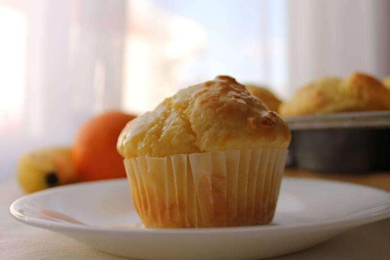 How do you make moist banana muffins